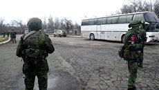 Во время обмена пленными между ЛНР и ДНР и Киевом. Архивное фото