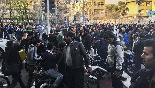Иранские власти пригрозили суровым наказанием задержанным протестующим