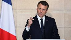 Президент Франции Эммануэль Макрон выступает на совместной пресс-конференции с президентом Турции в Елисейском дворце в Париже, Франция& 5 января 2018