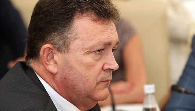 Петр Михальчевский в должности министра здравоохранения Республики Крым. Архивное