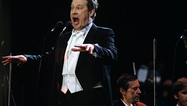 Медведев поздравил оперного певца Евгения Нестеренко сюбилеем