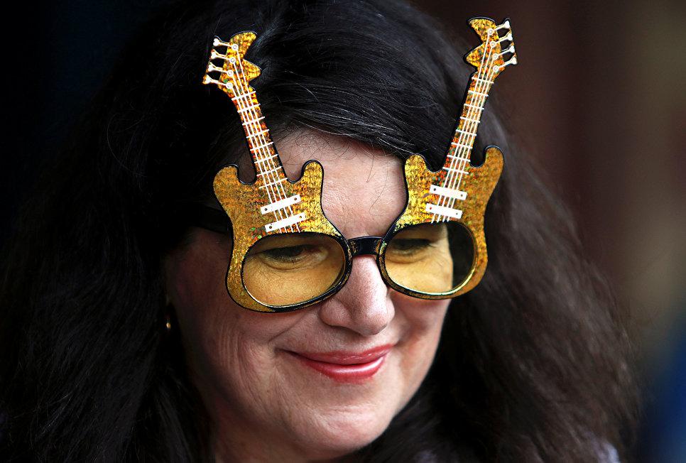 Поклонники Элвиса Пресли отправляются на Элвис-экспрессе из Сиднея на фестиваль в город Паркс
