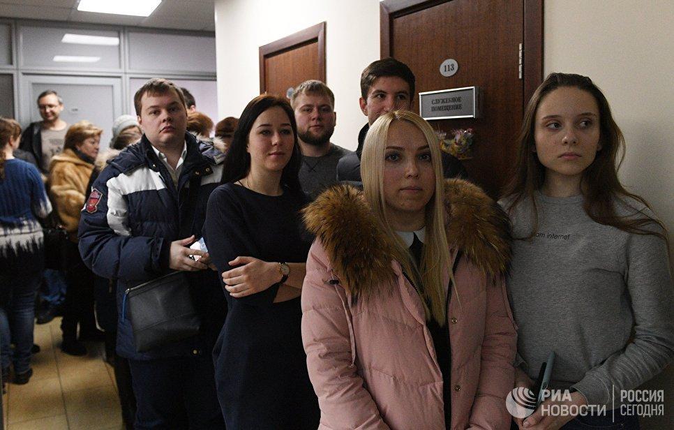Штаб В. Путина собрал нужное для выдвижения впрезиденты число подписей
