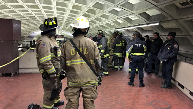 Ввашингтонском метро поезд сошел срельсов