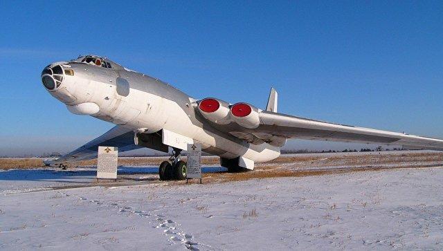 Мясищев М-4. Фотография сделана на авиабазе Украинка