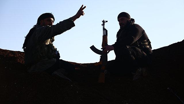 Турецкие боевики из Свободной сирийской армии занимают позицию в районе Тал Малид, к северу от Алеппо. 20 января 2018