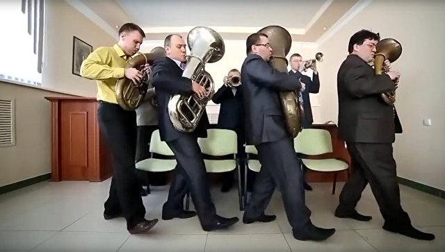 ВОренбуржье после ролика состриптизом уволились еще девять чиновников