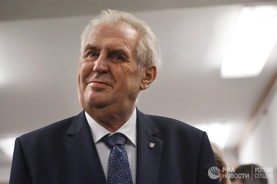 Земан высмеял предположение овмешательстве Российской Федерации вчешские выборы