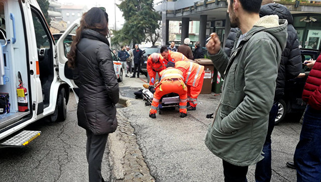 На месте задержания предполагаемого стрелка в городе Мачерата, Италия. 3 февраля 2018