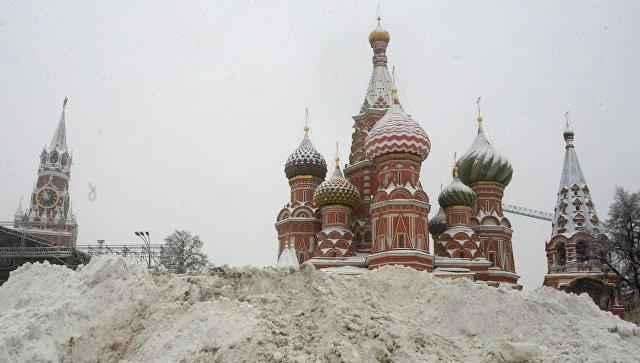 Столицу Российской Федерации засыпало снегом, есть пострадавшие