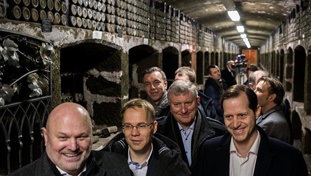 Визит немецких депутатов вКрым согласован сихпартийным управлением