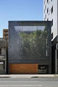 Дом из оптического стекла в Хиросиме, Япония