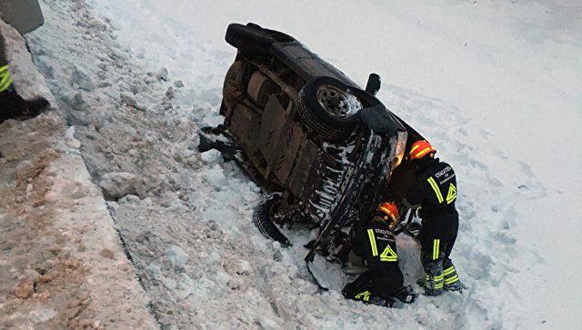Пследствия ДТП близ торгового центра РИО на севере Москвы. 10 февраля 2018