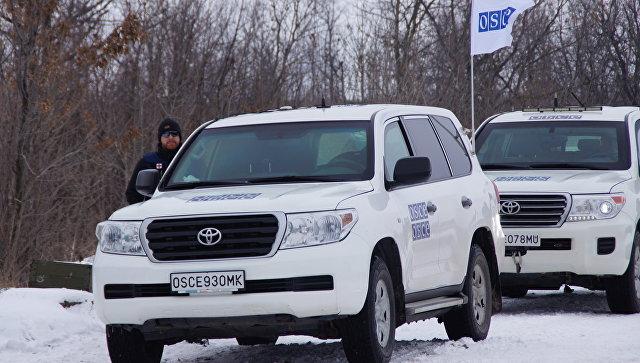Машины СММ ОБСЕ в Донбассе. Архивное фото