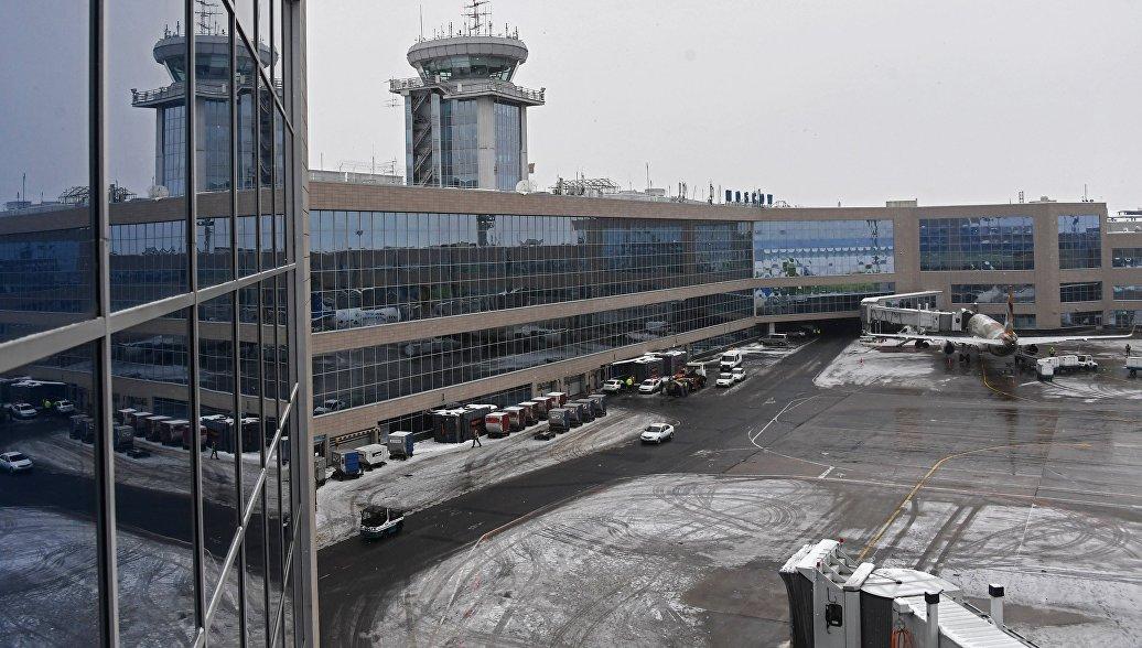 Здание Московского аэропорта Домодедово. Архивное фото