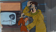 Сцена Печкин с Шариком около телевизора из мультфильма Зима в Простоквашино, 1984 год, Союзмультфильм