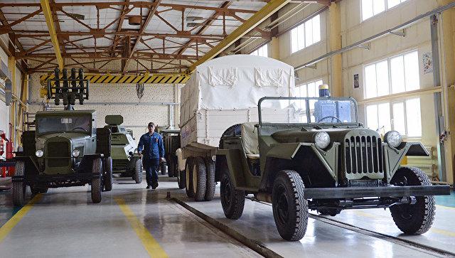 Советский военный полноприводный легковой автомобиль ГАЗ-67. Архивное фото