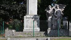Памятник Благодарности Советской Армии в городе Лидзбарк-Варминьский, Польша. Архивное фото