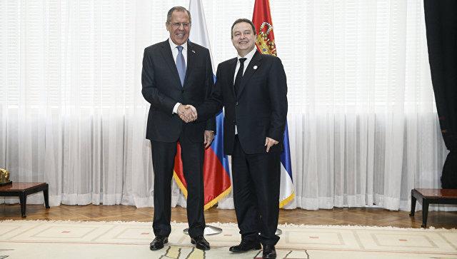 Министр иностранных дел России Сергей Лавров во время встречи с главой МИД Сербии Ивицой Дачичем, Белград. 22 февраля 2018