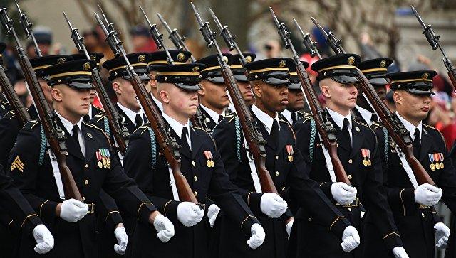 Военные во время парада в США. Архивное фото