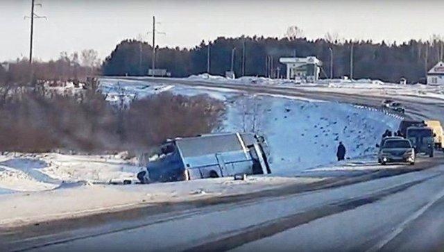 На месте ДТП с участием автобуса и фуры в Кемеровской области. 23 февраля 2018