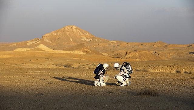 Симуляция экспедиции на Марс. Архивное фото