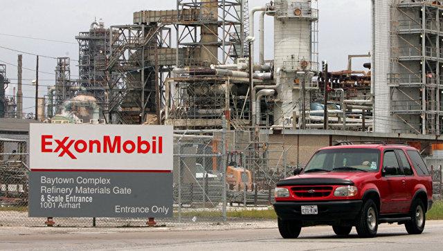 Из-за санкций ExxonMobil выйдет изпроектов с«Роснефтью»