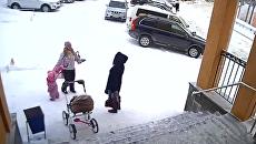 Полуторагодовалая девочка спасла мать от снежной лавины