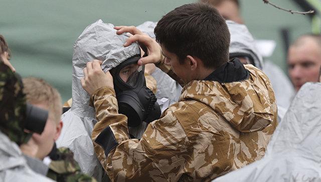 Военнослужащие во время следственных мероприятий по делу об отравлении экс-разведчика Скрипаля