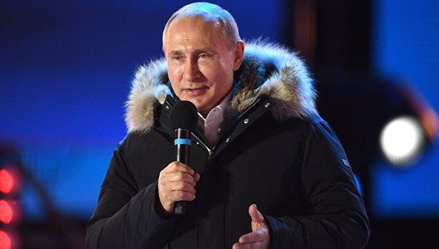 Владимир Путин на митинг-концерте на Манежной площади в Москве, посвященном годовщине воссоединения Крыма с Россией. 18 марта 2018