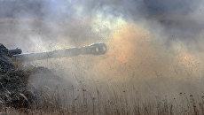 Огонь из самоходной артиллерийской установки. Архивное фото