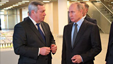 Владимир Путин и губернатор Ростовской области Василий Голубев во время встречи