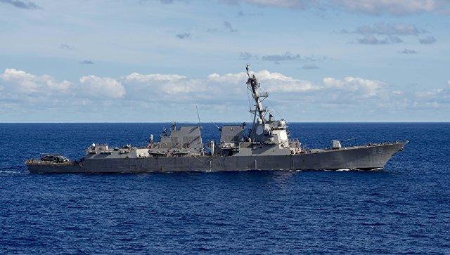Эсминец Mustin ВМС США. Архивное фото
