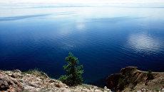 Вид на озеро Байкал – одно из чистейших озер планеты