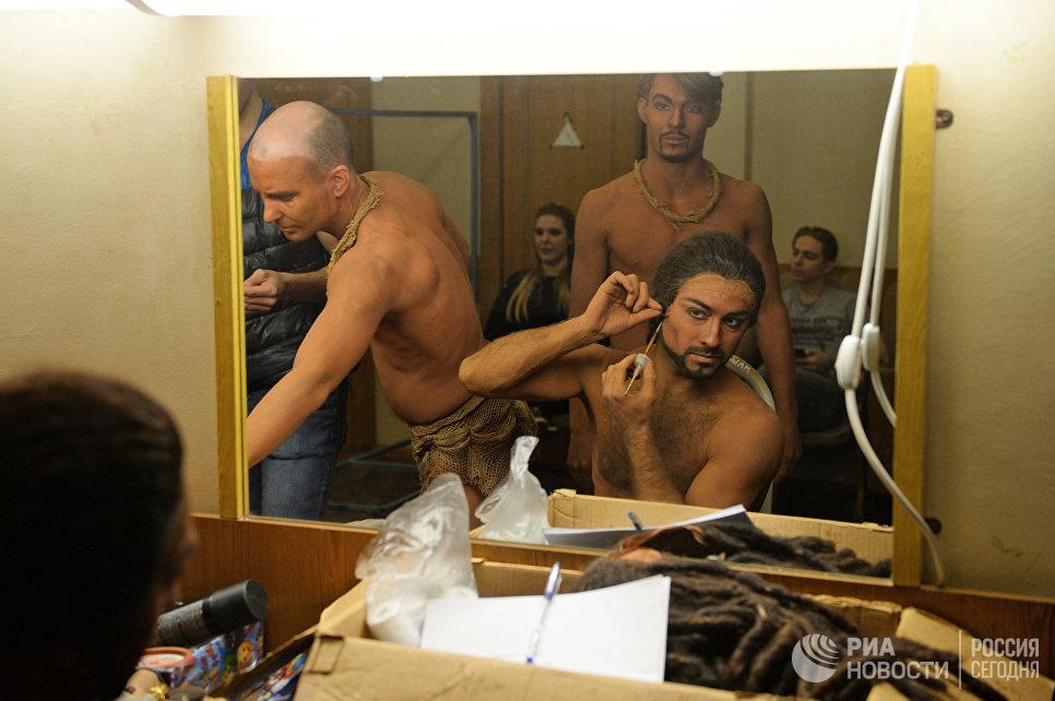 В гримерной Новосибирского оперного театра.