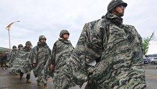 Южнокорейские морские пехотинцы во время совместных учений с США в Пхохане. Архивное фото