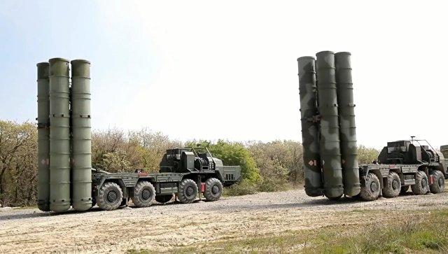 Ракетчики развернули комплексы С-400 Триумф на учениях в ЮВО. Архивное фото