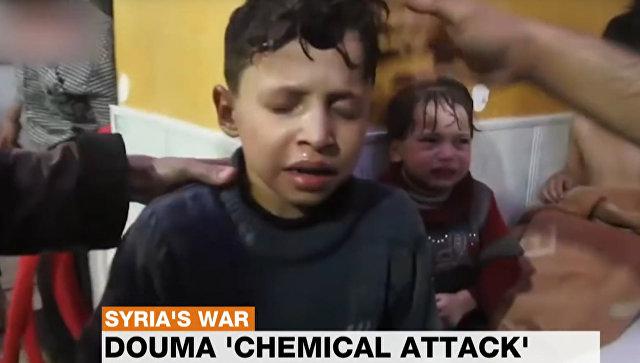 Стоп-кадр из видеорепортажа о якобы имевшей быть химической атаке в Думе