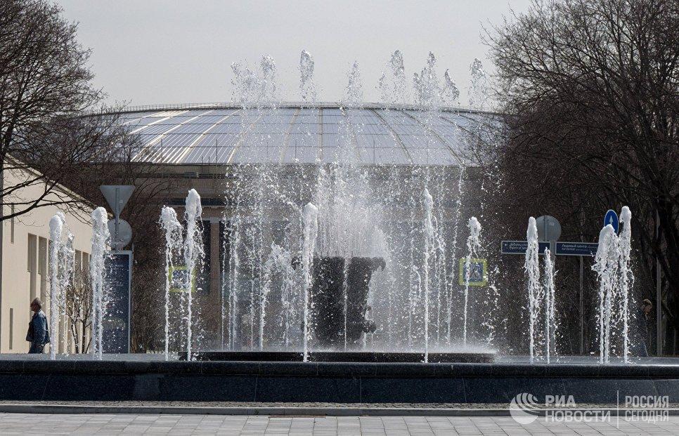 Отреставрированный фонтан Каменный цветок на территории олимпийского комплекса Лужники