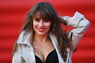 Певица Юлия Беретта на церемонии открытия 40-го Московского международного кинофестиваля (ММКФ)
