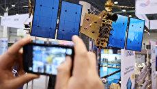 Макет спутника ГЛОНАСС-К. Архивное фото