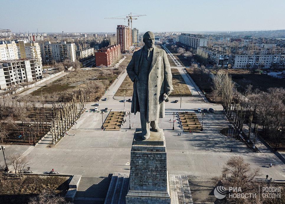 Памятник Ленину на Волго-Донском Канале в Волгограде