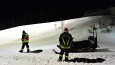 Сотрудники службы спасения в итальянских Альпах. Архивное фото