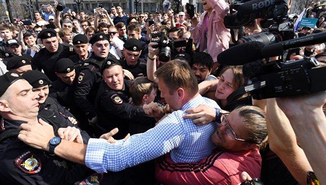 Картинки по запросу навальный 5 мая 2018