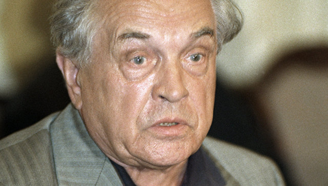 Писатель Александр Зиновьев. Архивное фото