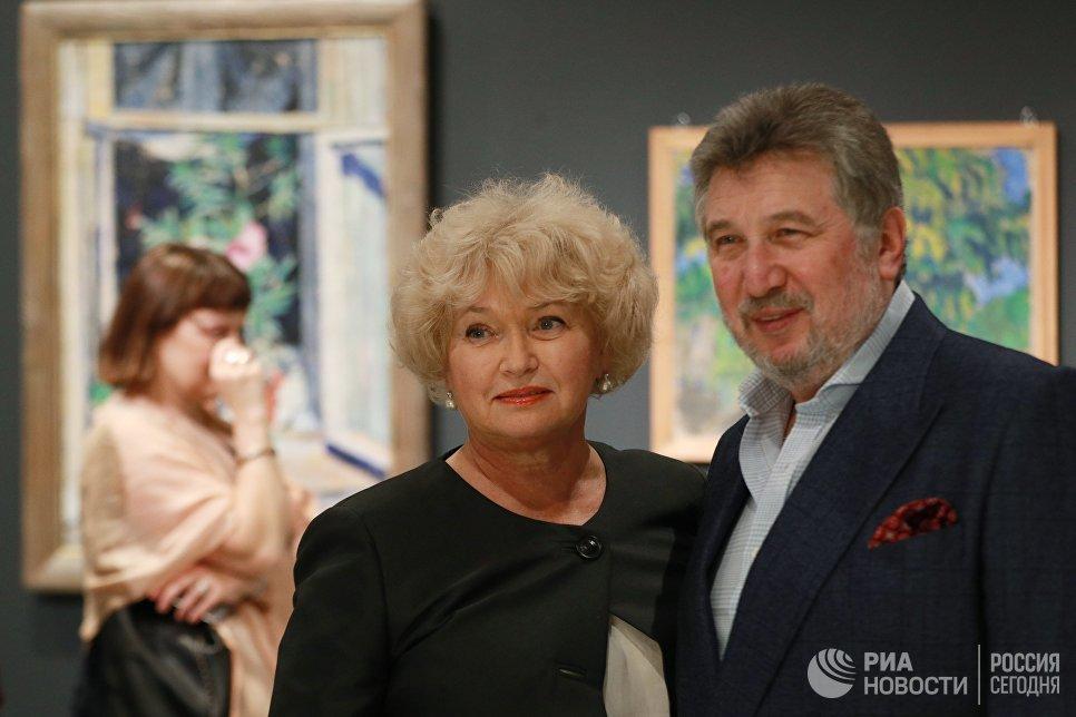 Сенатор Людмила Нарусова на выставке Импрессионизм в авангарде в Музее русского импрессионизма в Москве