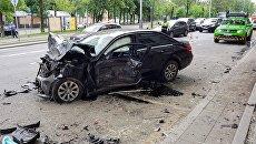 Последствия ДТП с участием трех транспортных средств на пересечении 2-й Павловского пер. и Подольского шоссе. 3 июня 2018