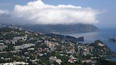 Облако на вершине горы Аю-Даг. Архивное фото
