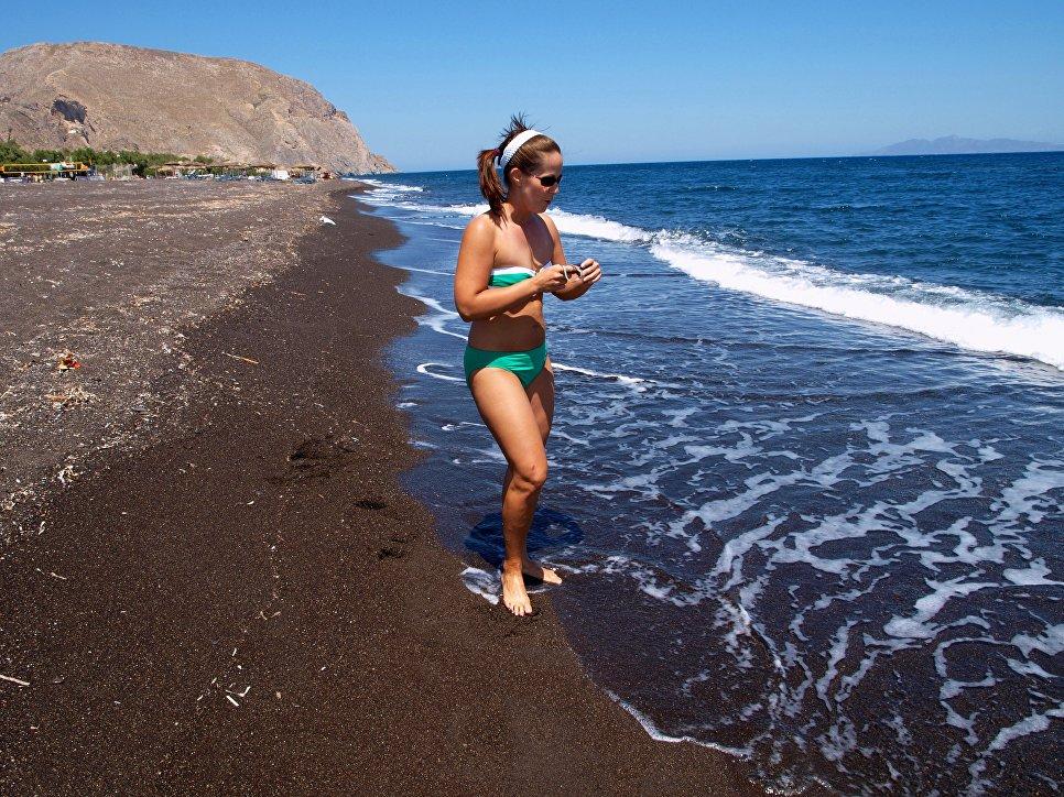 Черные пляжи Санторини, Камари