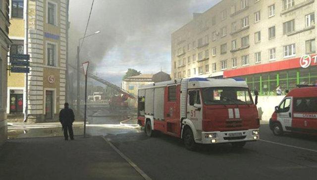 ФАН публикует видео пожара вТРЦ «Меншиков Холл» вЛомоносове